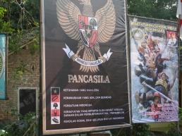 Baliho bergambar Pancasila