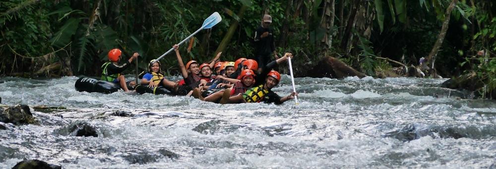 Memacu Adrenalin di River Tubing – Jelajah Langkah 7520516a8d
