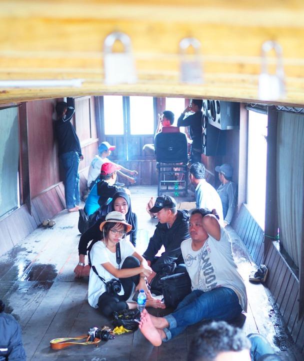Di dalam perahu kelotok menuju bukit Batas & Matan Keladan