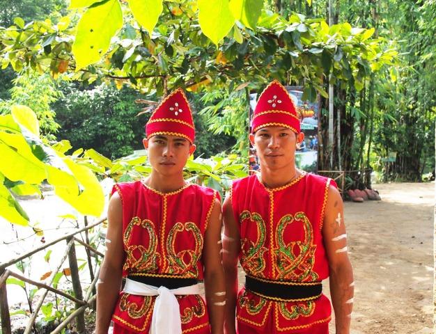 Suku Dayak Meratus