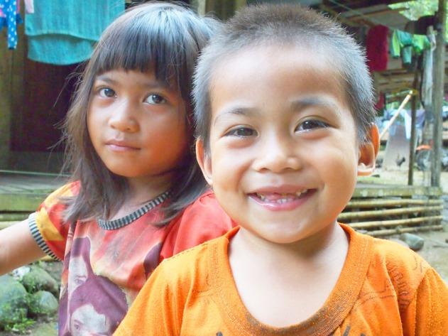 Anak-anak penduduk lokal Loksado