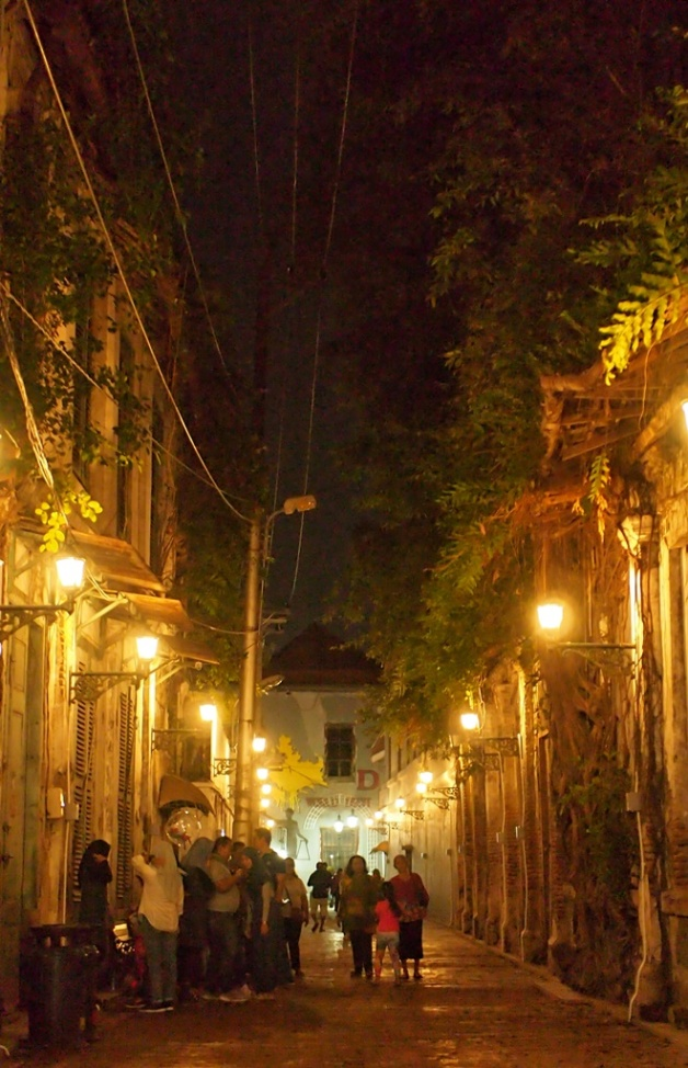 Sudut kota di waktu malam