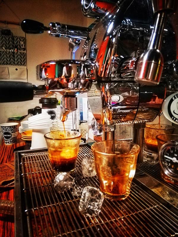 Keresahan di kedai kopi